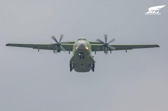 «Составит конкуренцию мировым самолетам»: российский Ил-112В совершил первый полет