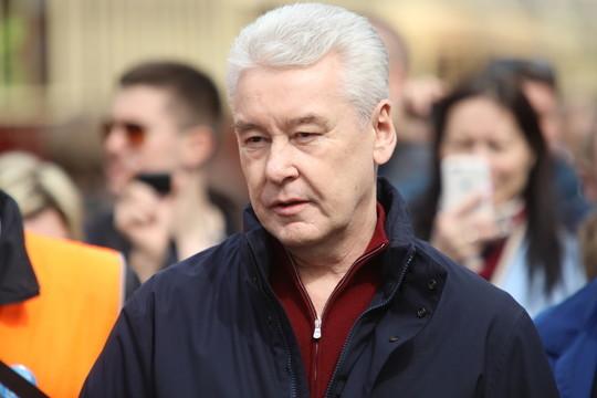 Решение Собянина о всеобщей самоизоляции встретило критику – от сенатора Клишаса до Навального