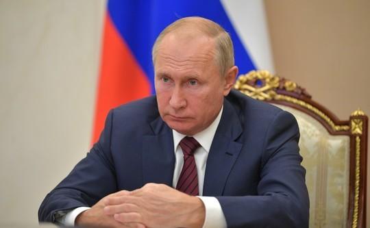 Путин извинился перед губернатором за тавтологию и указал ему на плохие показатели