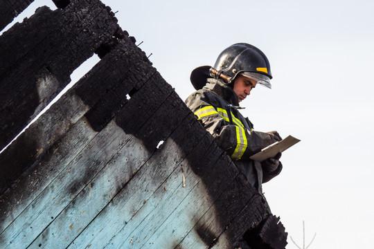 В Татарстане в пожаре погибли женщина и пятимесячный ребенок