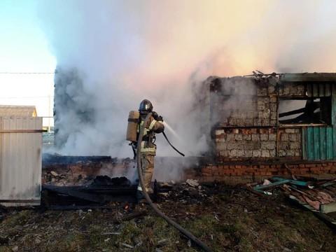 В Татарстане ночью сгорела деревенская школа, где учились 9 детей