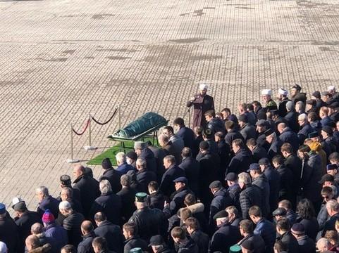 В Казани началась церемония прощания с Иреком Миннахметовым