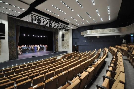 Минниханов открыл обновленный татарский драмтеатр Челнов