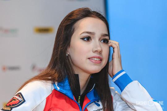 Загитова исполнит мечту слепой девочки и покатается с ней на коньках