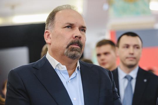Аудитора СП Михаила Меня обвинили в хищении денег из бюджета. Совфед дал согласие на задержание