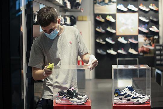 «Царит повальный демпинг!»: 7 вещей, которые дешевеют из-за коронавируса
