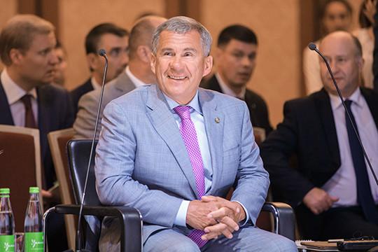 Минниханов вошел втоп-3 известных блогеров-губернаторов