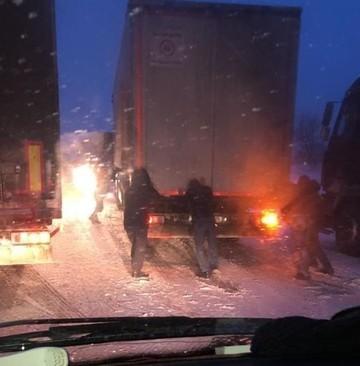 Три трассы в Татарстане закрыли из-за метели