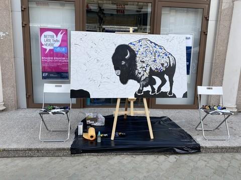 Эпатажный казанский художник устраивает перформанс на Баумана