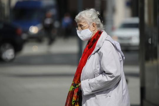 Врач озвучил сценарий распространения коронавируса осенью в России
