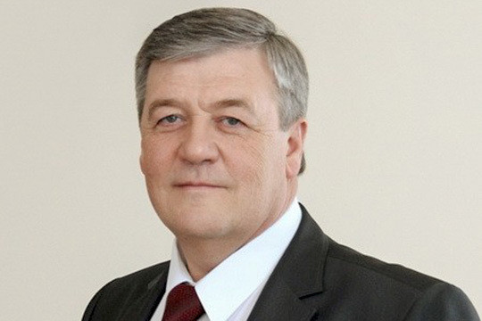 Депутат Государственной думы предложил уравнять учителей ичиновников