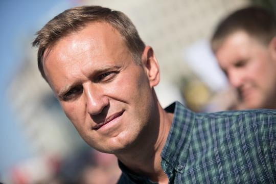 Самолет с Навальным вылетел в Германию