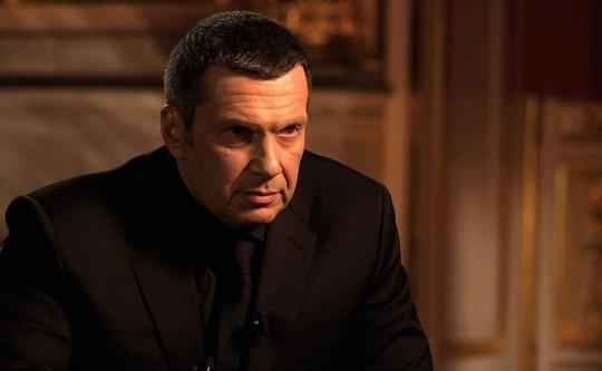 Соловьев и Навальный устроили перепалку в «Твиттере»: «Ну так что там с отмыванием миллиарда?»