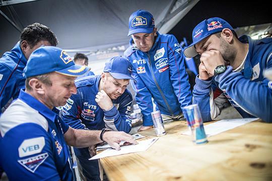 Экипаж Николаева занял 3-е место наседьмом этапе ралли «Дакар»