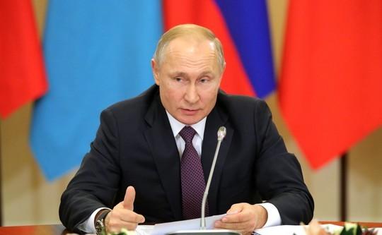 Путин внес в Госдуму проект поправок к закону о формировании Совета Федерации