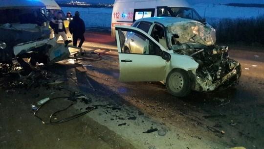 Смертельное ДТП натрассе «Альметьевск-Азнакаево»: столкнулись Лада иУАЗ