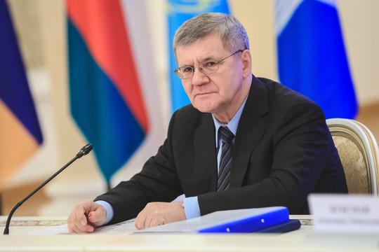 Юрий Чайка уходит с поста генпрокурора РФ