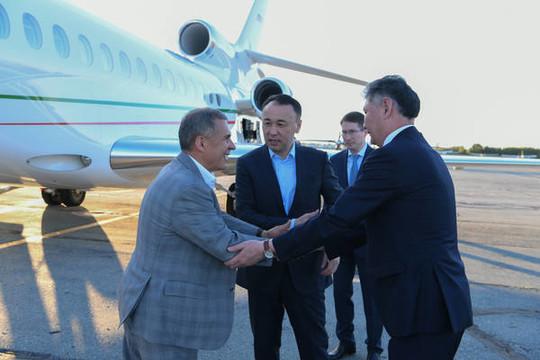 Рустам Минниханов прибыл В Казахстан, чтобы поучаствовать в Сабантуе
