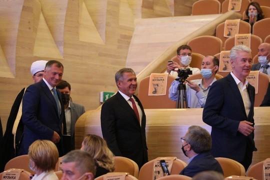 Собянин и Минниханов посетили гала-концерт Дней Татарстана в Москве