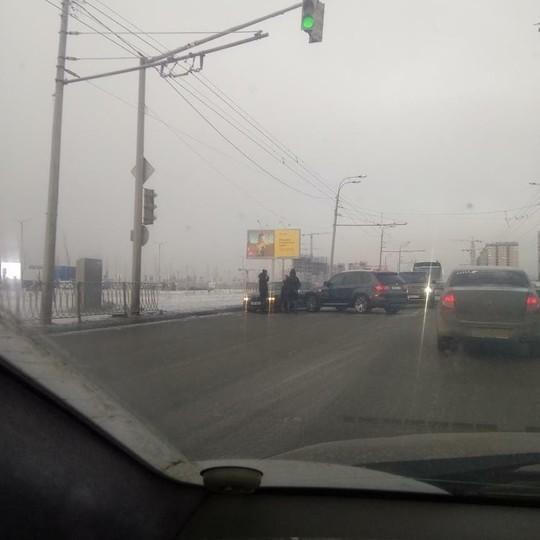 В Казани «мамкин дрифтер» на BMW X5 устроил аварию