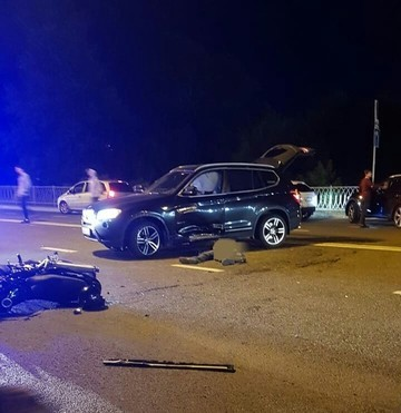 Соцсети: В Казани BMW насмерть сбил байкера