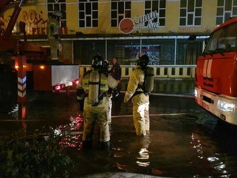В Челнах горит здание ресторана «Арарат»