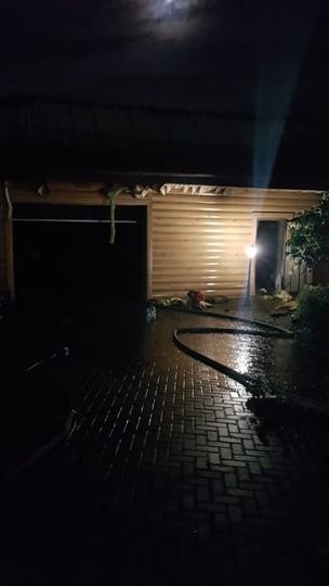 В селе Введенская Слобода подожгли гараж с двумя квадроциклами и лодкой
