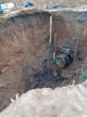 В Татарстане рабочего засыпало землей во время прокладки трубопровода