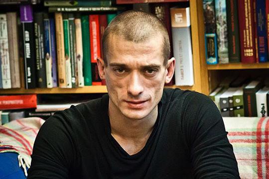 Винтернете появилось видео избиения актёра «Театра.doc» якобы живописцем Павленским