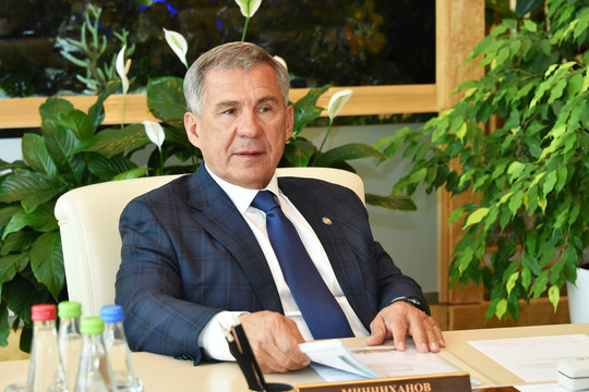 Минниханов пожаловался на множество непрофессиональных управленцев в Татарстане: «Он что, барин, что ли?»