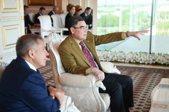 Президент Туркменистана зачитал рэп про коня