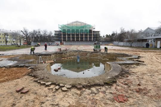 Метшин проконтролировал реконструкцию одного из старейших дворцов культуры Казани