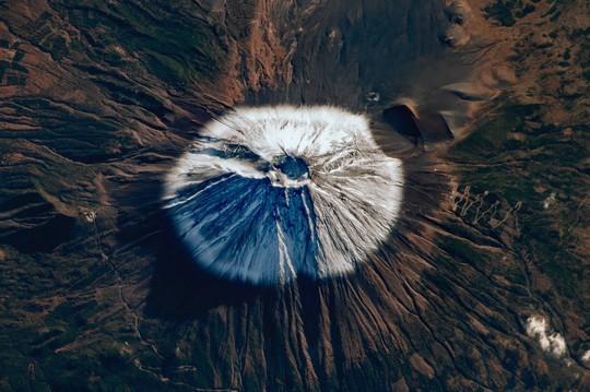 Галерея «БИЗON» продлила выставку космических фотографий Сергея Рязанского