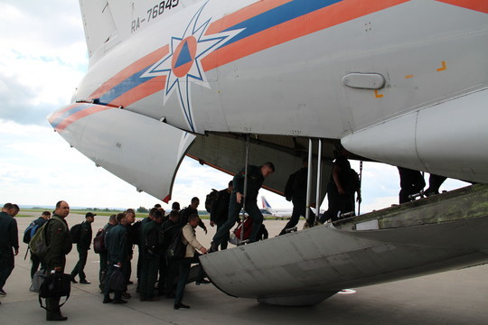 ИзКазани вИркутск вылетел самолет спарашютно-десантной пожарной группой