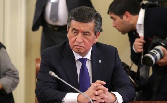 Жээнбеков несобирается уходить вотставку