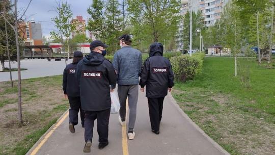 На улицы столицы РТ вышли сотни патрулей – нарушителей самоизоляции увозят на автозаках