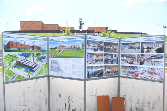 Минниханов осмотрел набережную левого берега Казанки и реконструируемый НКЦ «Казань»