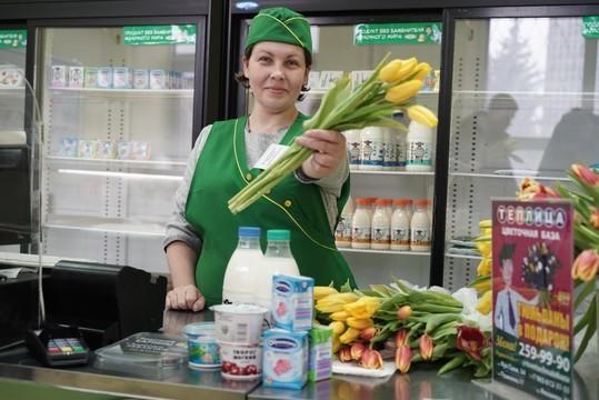 Накануне Международного дня счастья ЗМК дарит казанцам цветы
