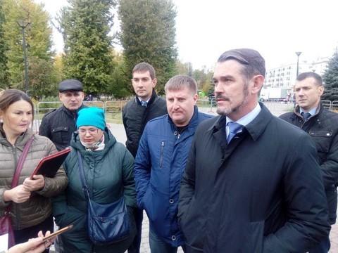 Глава фонда соцстраха по РТ ответил на вопросы митингующих в парке им. Тинчурина