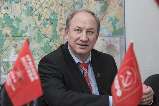 Прокуратура назвала запрос Рашкина опроверке активов Медведева «ошибочно направленным»