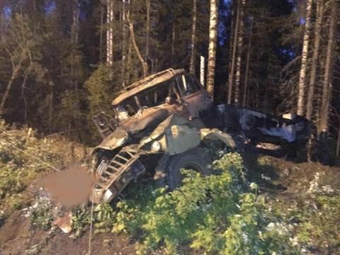 В Свердловской области взорвался бензовоз, подвозивший туристов на цистерне, четверо погибли