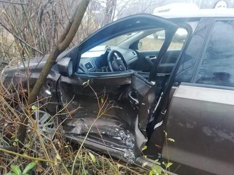 В Нижнекамске 27-летний водитель протаранил BMW и оказался в кювете
