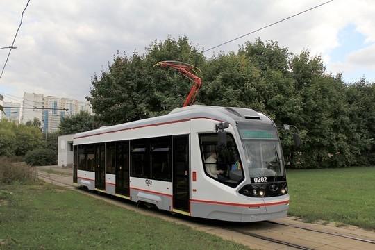 В столицу РТ привезли новый трамвай City Star – всего закупят пять за 135 млн рублей