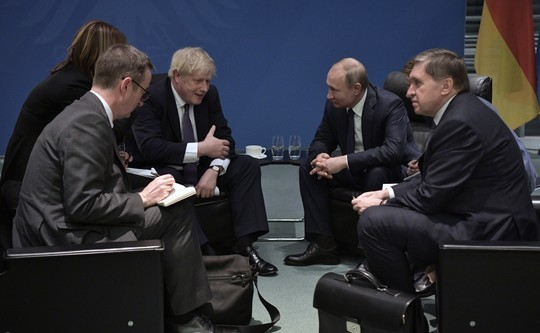 Джонсон на встрече с Путиным заявил о невозможности нормализации отношений РФ и Великобритании