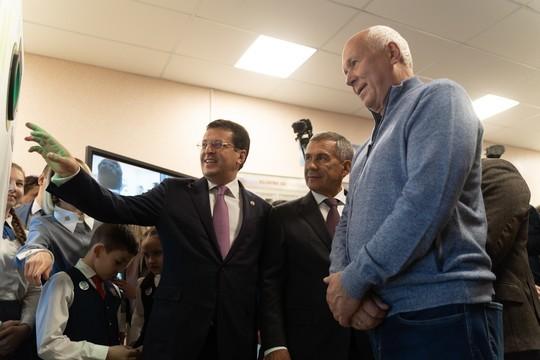 Чемезов и Минниханов запустили в Казани первый в России проект по установке фандоматов
