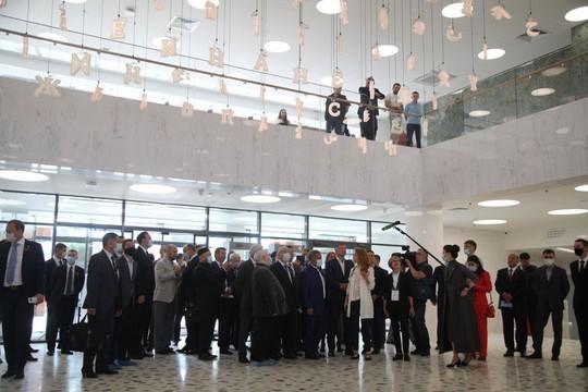 Рустам Минниханов посетил реконструированное здание бывшего НКЦ