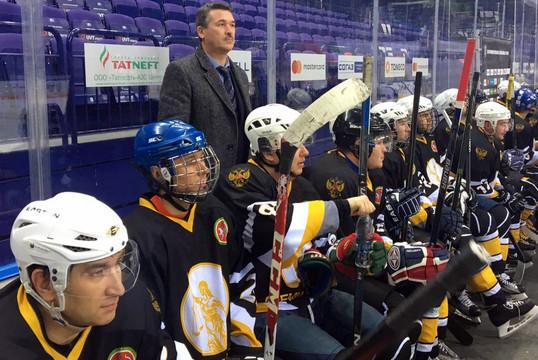 Команда Верховного суда РТ стала трехкратным победителем турнира по хоккею с шайбой на «Кубок юриста»