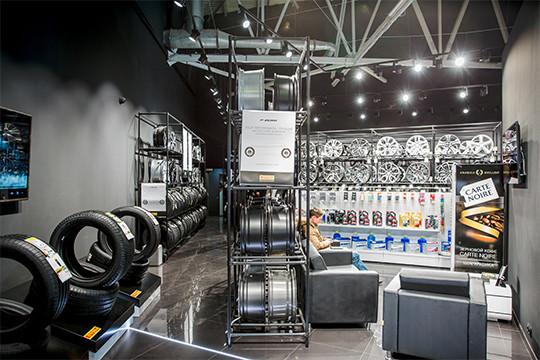 Шинный центр нового поколения PIRELLI: шиномонтаж и хранение колес бесплатно