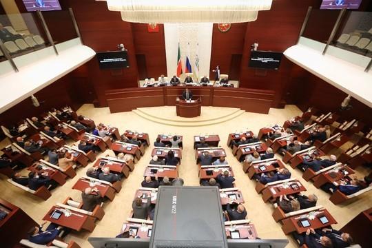 Утверждены кандидатуры премьер-министра РТ и его замов