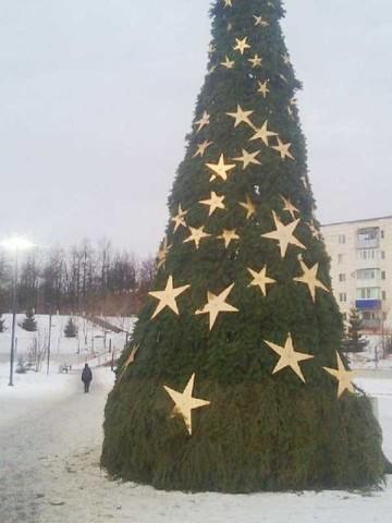 Обзор новогодних городков в районах РТ: креатив в Нурлате и жалобы на безвкусицу в Лениногорске
